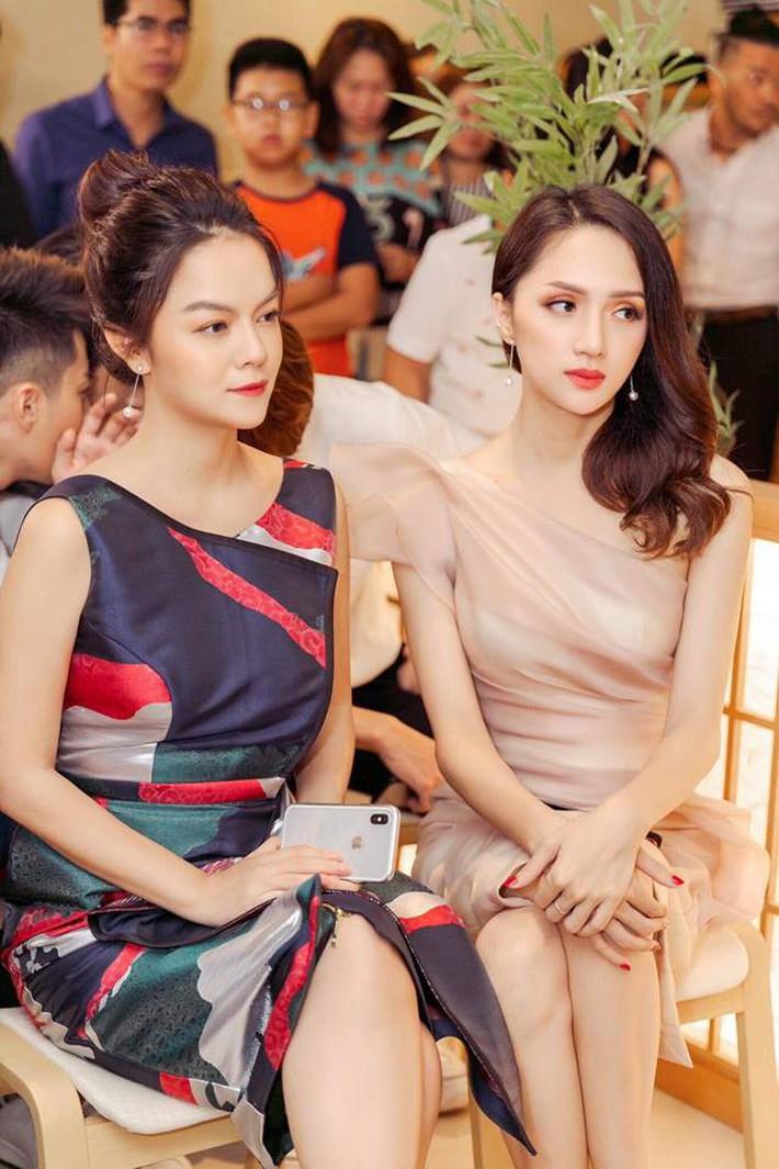 Mẹ 2 con Phạm Quỳnh Anh và những khoảnh khắc vô tình dìm hàng gái trẻ khi đứng chung khung hình - Ảnh 5.