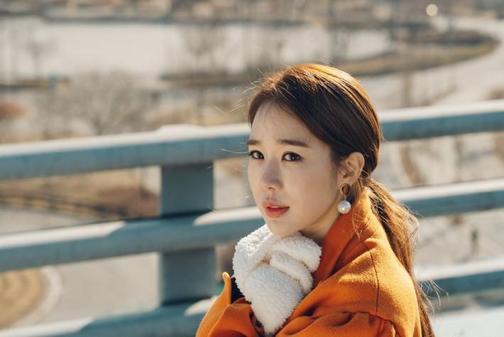 Tóc đuôi ngựa phải buộc theo cách của Yoo In Na trong Touch Your Heart mới sang xịn - Ảnh 2.