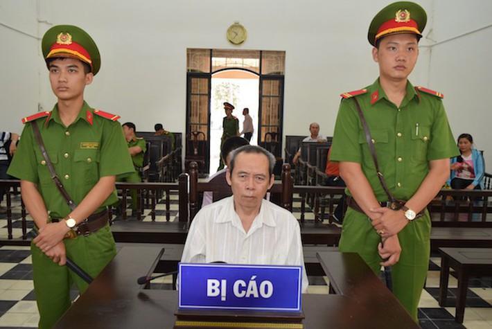 Cụ ông 5 lần hại đời bé gái lãnh 16 năm tù - Ảnh 1.