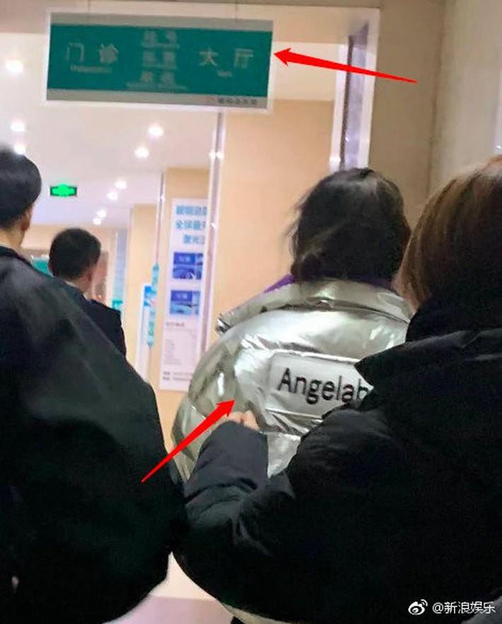 Angela Baby bất ngờ nhập viện khi đang quay show truyền hình Running Man phiên bản Trung - Ảnh 2.
