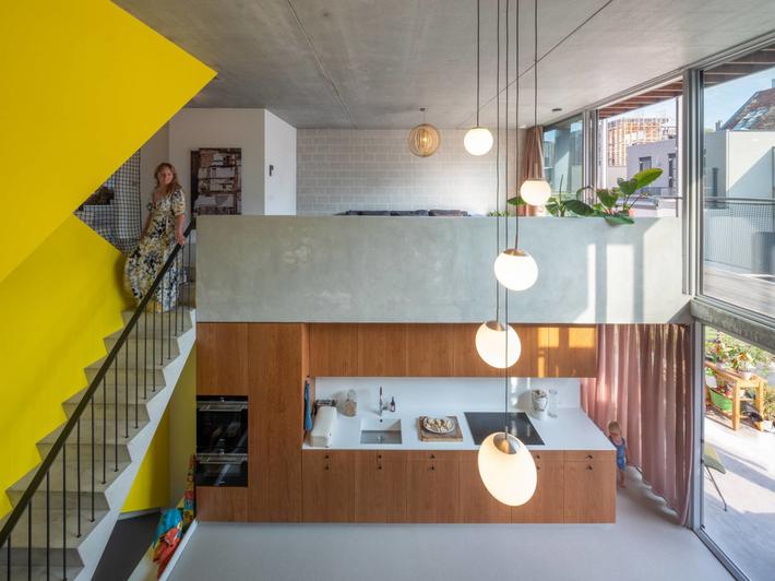 Ngôi nhà phố hiện đại đáp ứng được nhu cầu của cả 3 thế hệ cùng chung sống - Ảnh 5.