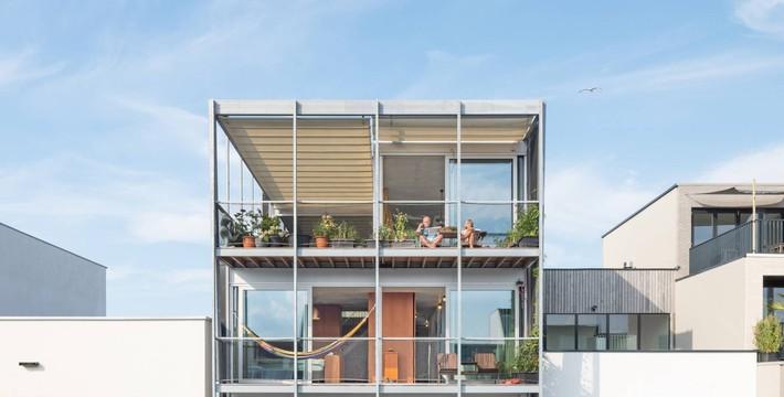 Ngôi nhà phố hiện đại đáp ứng được nhu cầu của cả 3 thế hệ cùng chung sống - Ảnh 14.