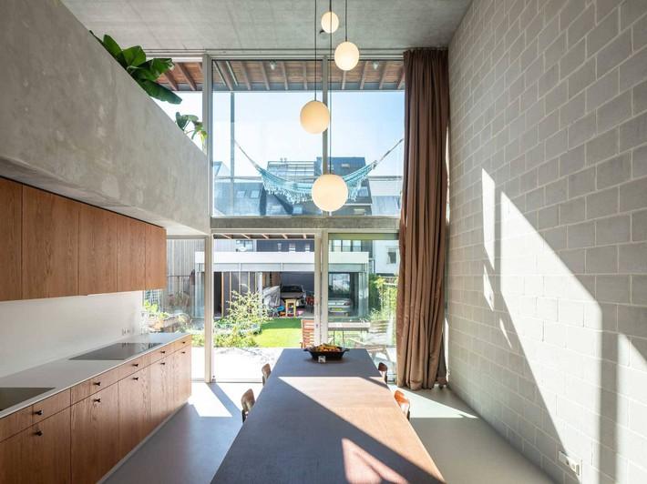 Ngôi nhà phố hiện đại đáp ứng được nhu cầu của cả 3 thế hệ cùng chung sống - Ảnh 7.