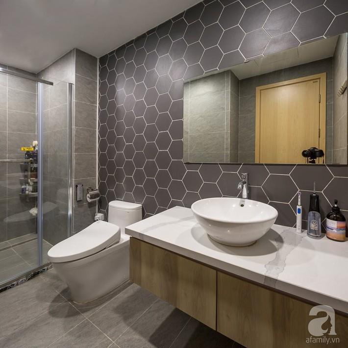 Căn hộ 120m² đẹp hiện đại, ấm cúng với màu gỗ làm chủ đạo của cặp vợ chồng trẻ mới cưới ở Hà Nội - Ảnh 20.