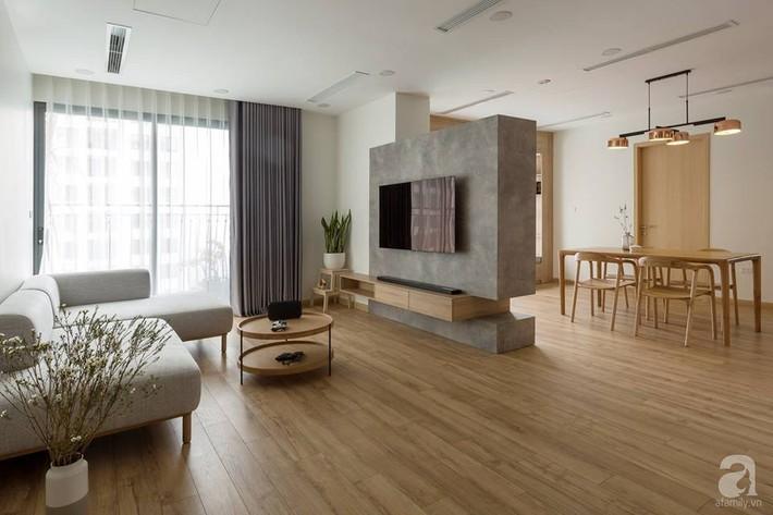 Căn hộ 120m² đẹp hiện đại, ấm cúng với màu gỗ làm chủ đạo của cặp vợ chồng trẻ mới cưới ở Hà Nội - Ảnh 6.