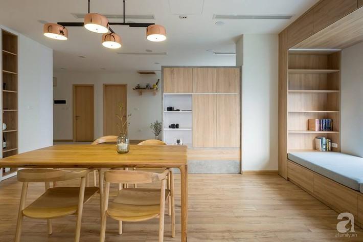 Căn hộ 120m² đẹp hiện đại, ấm cúng với màu gỗ làm chủ đạo của cặp vợ chồng trẻ mới cưới ở Hà Nội - Ảnh 9.