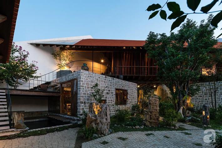 Ngôi nhà gỗ mang hơi thở đồng bằng Bắc Bộ tách biệt tiếng ồn, khói bụi dù xây giữa lòng thành phố Nha Trang - Ảnh 12.