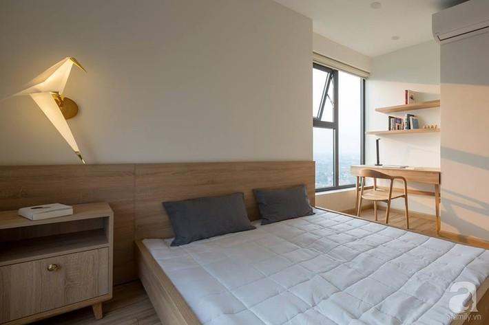 Căn hộ 120m² đẹp hiện đại, ấm cúng với màu gỗ làm chủ đạo của cặp vợ chồng trẻ mới cưới ở Hà Nội - Ảnh 16.