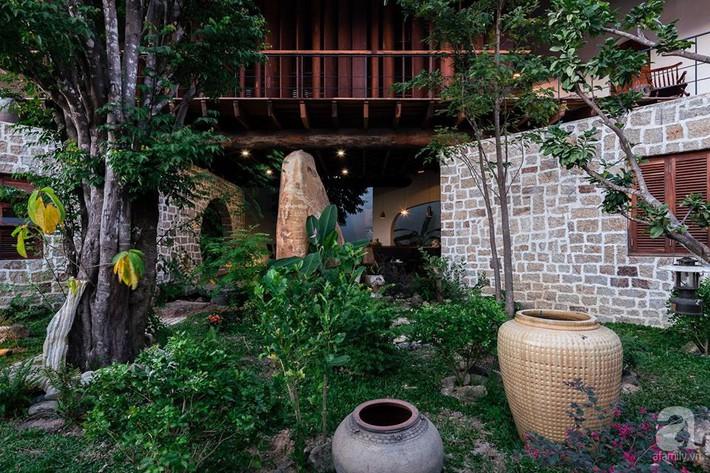 Ngôi nhà gỗ mang hơi thở đồng bằng Bắc Bộ tách biệt tiếng ồn, khói bụi dù xây giữa lòng thành phố Nha Trang - Ảnh 8.