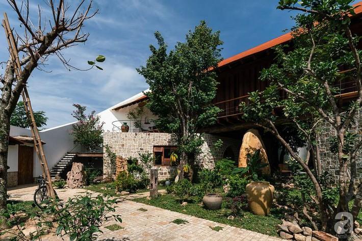 Ngôi nhà gỗ mang hơi thở đồng bằng Bắc Bộ tách biệt tiếng ồn, khói bụi dù xây giữa lòng thành phố Nha Trang - Ảnh 3.