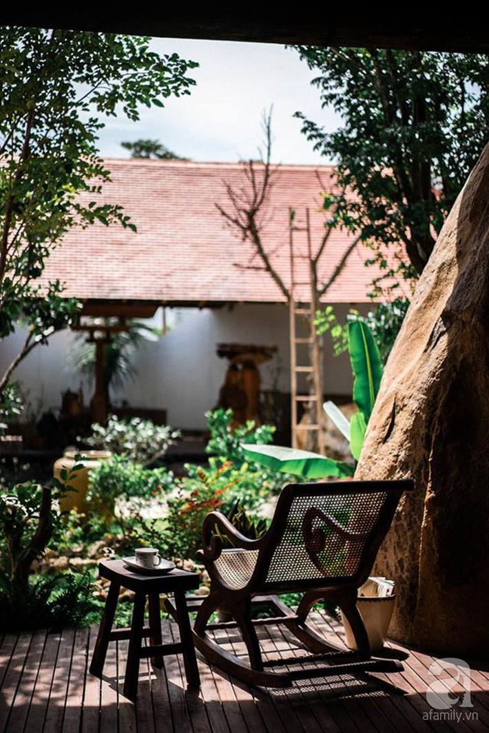 Ngôi nhà gỗ mang hơi thở đồng bằng Bắc Bộ tách biệt tiếng ồn, khói bụi dù xây giữa lòng thành phố Nha Trang - Ảnh 10.