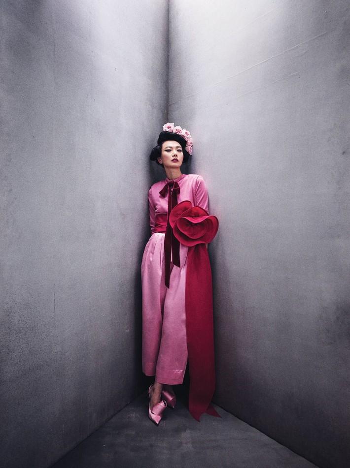 Lên bìa Vogue Mỹ cùng dàn minh tinh thế giới, bao nhiêu thần thái của Angela Baby bay biến sạch sẽ - Ảnh 11.