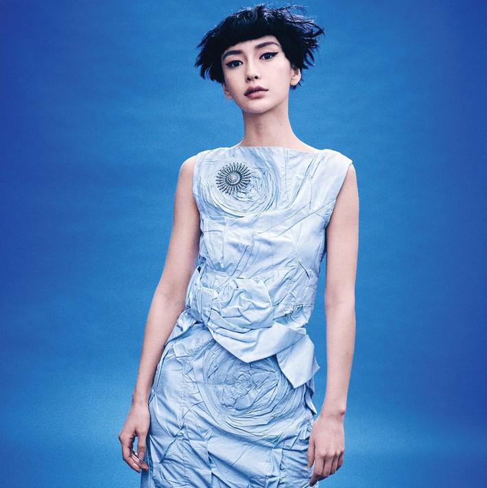 Lên bìa Vogue Mỹ cùng dàn minh tinh thế giới, bao nhiêu thần thái của Angela Baby bay biến sạch sẽ - Ảnh 3.