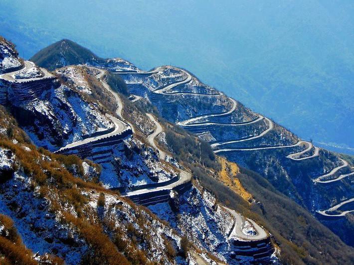 Chùm ảnh: 10 cung đường đẹp nức tiếng thế giới mà dân phượt đã đi là không muốn trở về - Ảnh 10.
