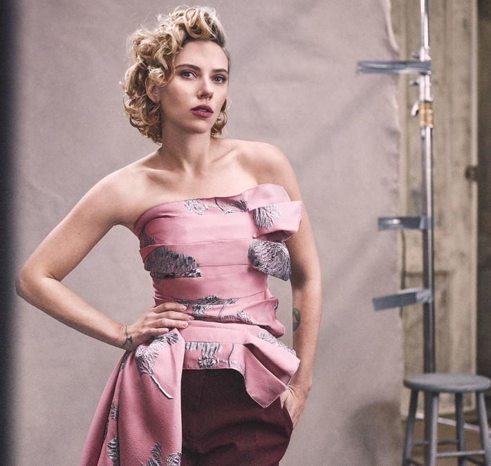 Lên bìa Vogue Mỹ cùng dàn minh tinh thế giới, bao nhiêu thần thái của Angela Baby bay biến sạch sẽ - Ảnh 7.