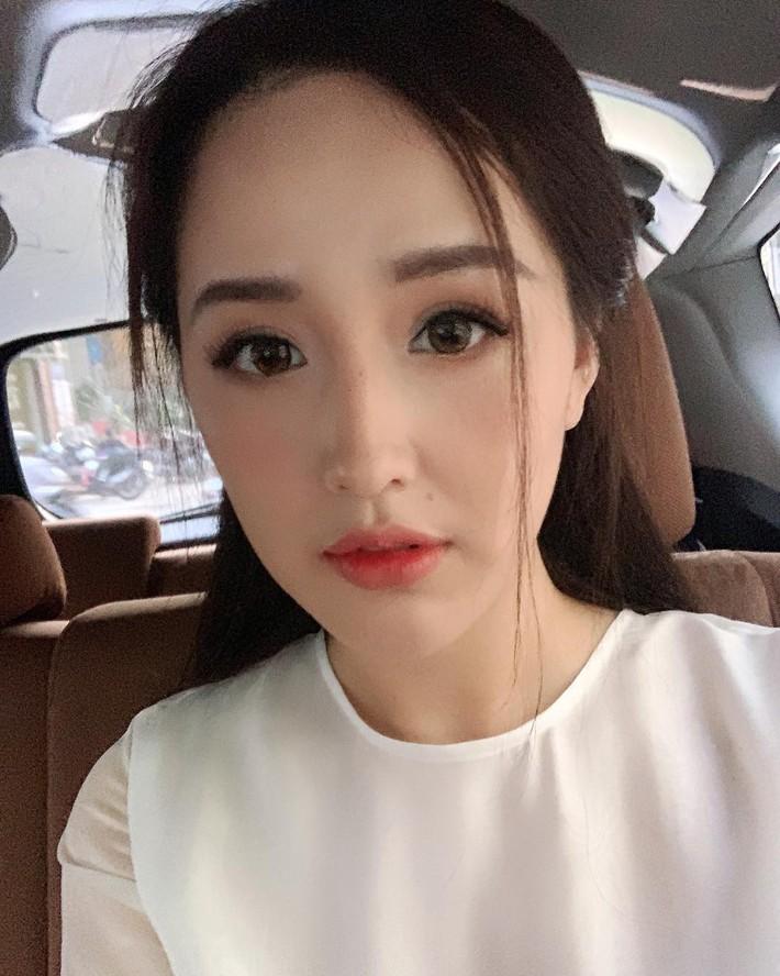 """Vừa đổi kiểu makeup, Mai Phương Thúy đã hóa ngay thành """"nữ chính ngôn tình"""" khiến dân tình xuýt xoa - Ảnh 1."""