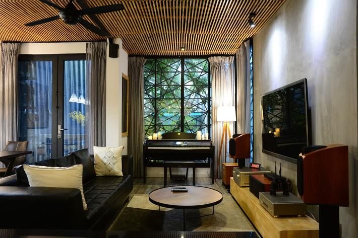 Ngôi nhà 50m² trong hẻm nhỏ chỉ nhìn đã thấy an yên ở quận 1, Sài Gòn - Ảnh 2.