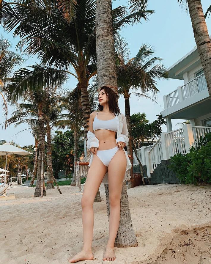 Cuộc chiến khoe eo thon dáng nuột với bikini: Loạt hot mom cũng táo bạo chẳng kém các sao nữ Vbiz - Ảnh 9.