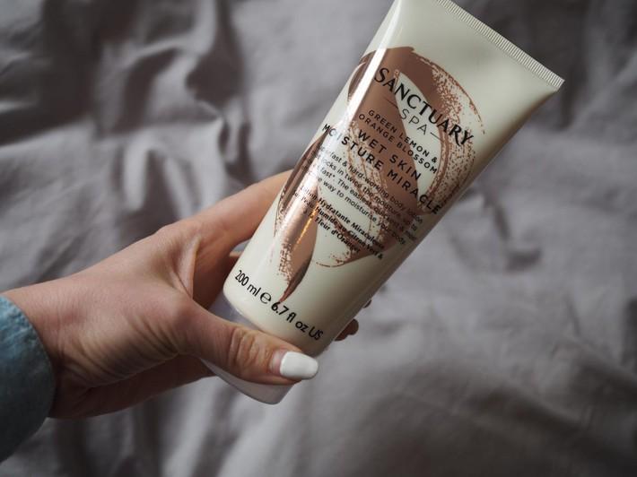 Những ngày quá bận hay lười skin care, bạn có thể chuyển sang 4 loại mỹ phẩm tích hợp đầy đủ mọi công năng mà vẫn dưỡng da nhanh gọn này - Ảnh 4.