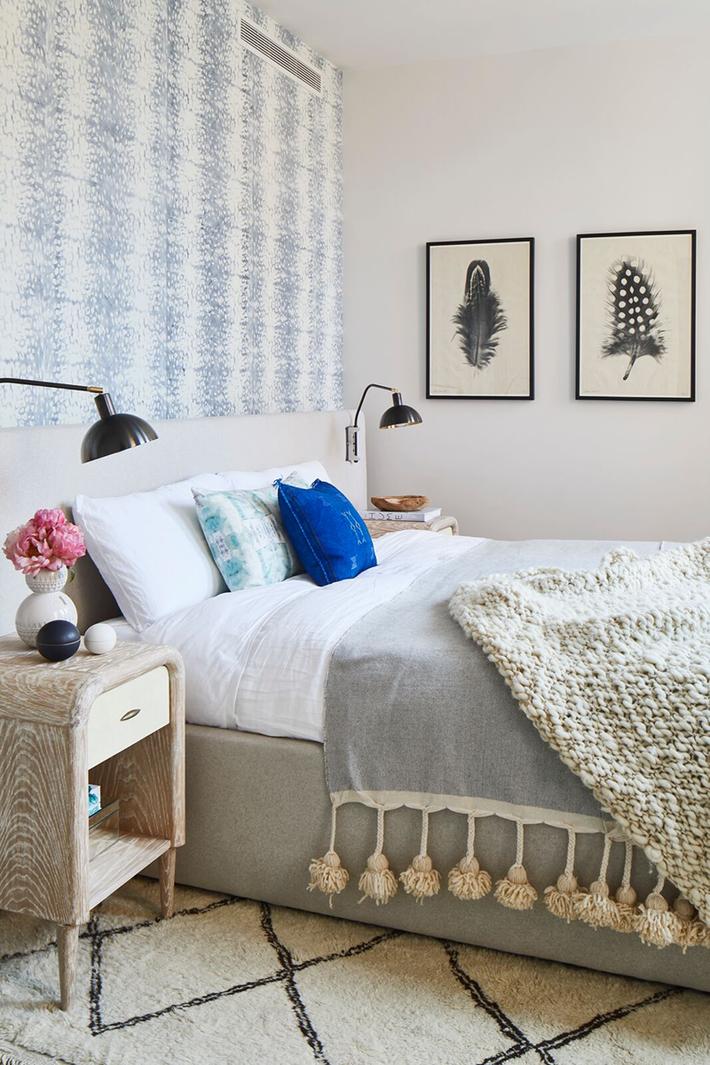 Bỏ túi vài mẹo trang trí phòng ngủ khiến không gian nghỉ ngơi của bạn đẹp chẳng kém trên tạp chí - Ảnh 3.