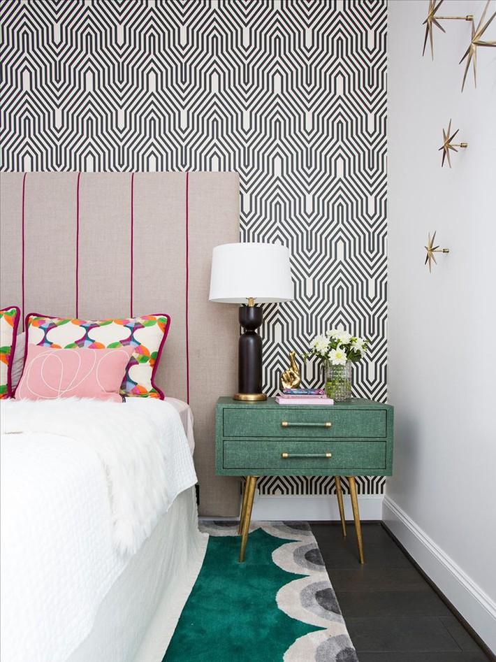 Bỏ túi vài mẹo trang trí phòng ngủ khiến không gian nghỉ ngơi của bạn đẹp chẳng kém trên tạp chí - Ảnh 7.