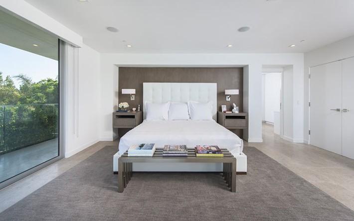 Bỏ túi vài mẹo trang trí phòng ngủ khiến không gian nghỉ ngơi của bạn đẹp chẳng kém trên tạp chí - Ảnh 13.