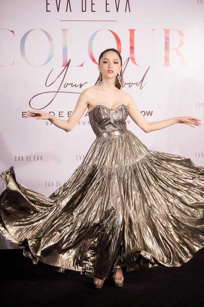 Hương Giang tái hiện màn tung váy huyền thoại, Trương Hồ Phương Nga xuất hiện giản dị sau khi ra tù  - Ảnh 1.
