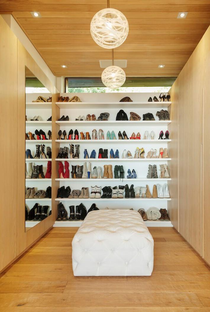 Cách sắp xếp quần áo đúng chuẩn để phòng bạn lúc nào cũng gọn gàng bất chấp diện tích nhỏ - Ảnh 5.