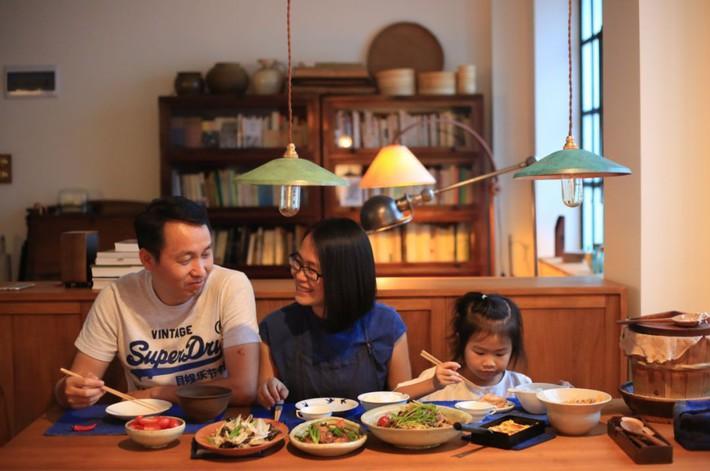 Căn hộ 83m² của gia đình trẻ ở Nhật đẹp cuốn hút nhờ có khu vực lưu trữ thông minh - Ảnh 15.