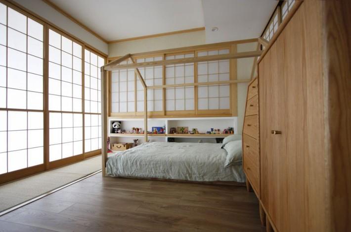 Căn hộ 83m² của gia đình trẻ ở Nhật đẹp cuốn hút nhờ có khu vực lưu trữ thông minh - Ảnh 21.