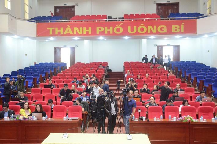 Phạt bà Phạm Thị Yến 5 triệu đồng, yêu cầu dừng ngay hoạt động thỉnh oan gia trái chủ tại chùa Ba Vàng - Ảnh 1.