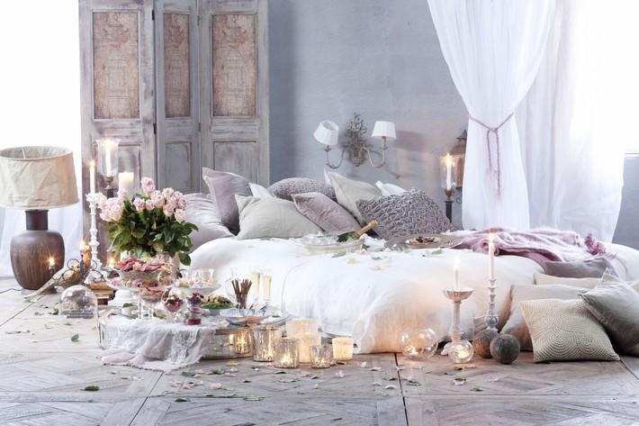 Trang trí giường cưới đẹp ngọt ngào và lãng mạn với hoa tươi - Ảnh 14.