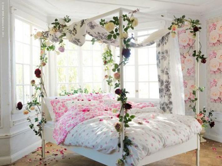 Trang trí giường cưới đẹp ngọt ngào và lãng mạn với hoa tươi - Ảnh 13.
