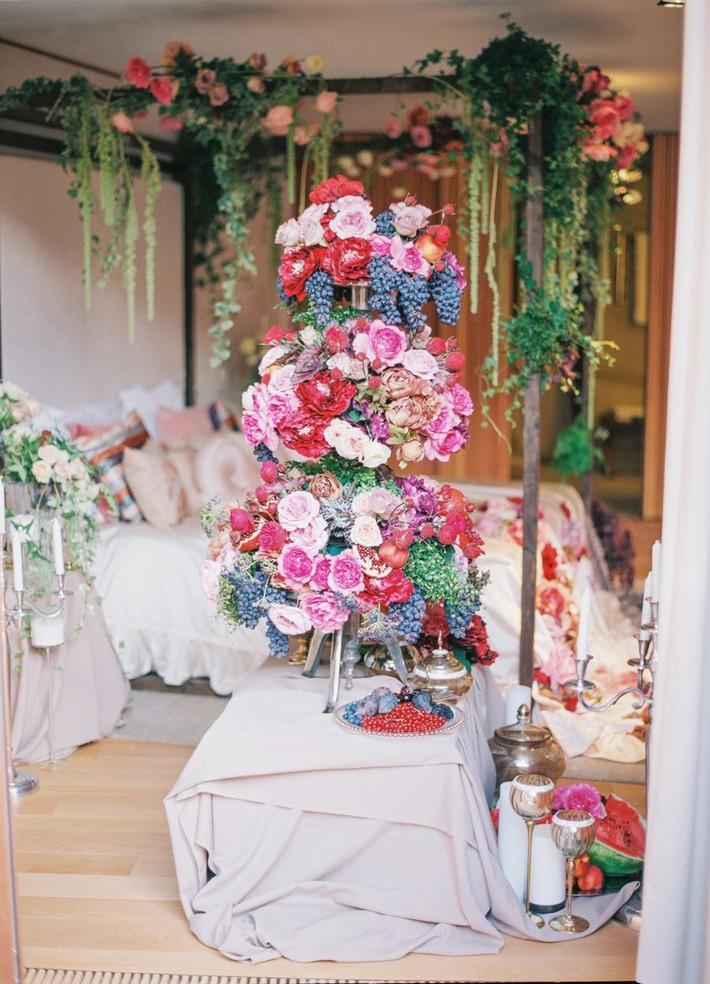 Trang trí giường cưới đẹp ngọt ngào và lãng mạn với hoa tươi - Ảnh 17.
