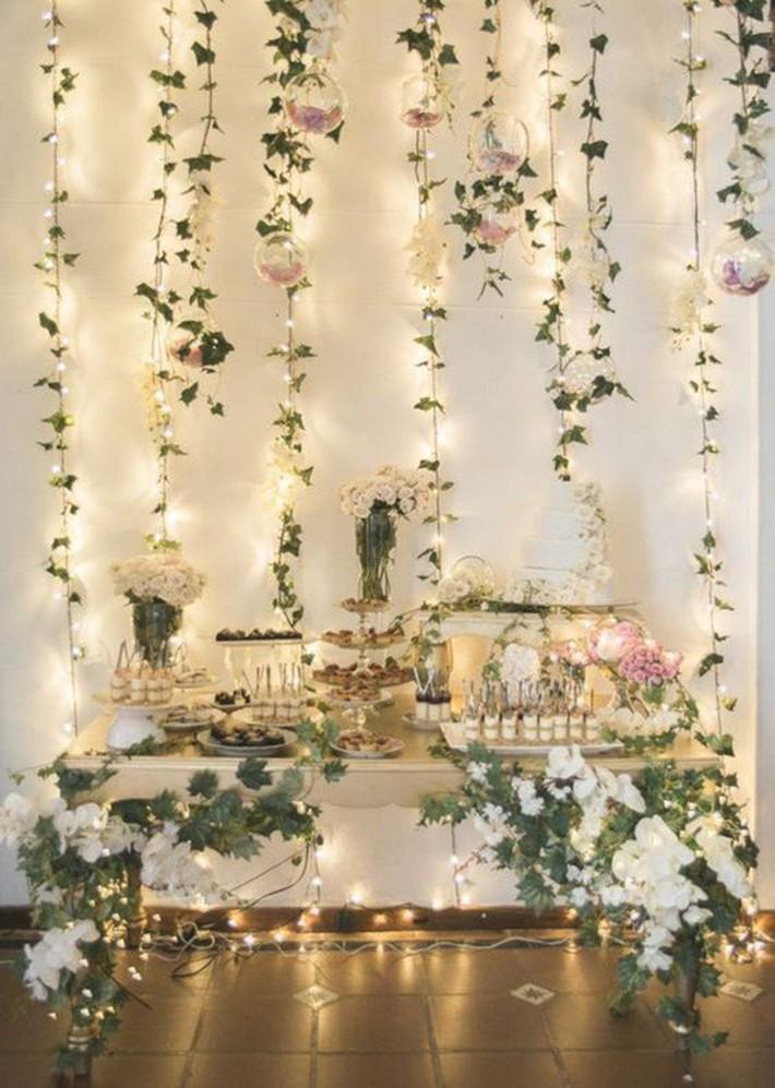 Trang trí giường cưới đẹp ngọt ngào và lãng mạn với hoa tươi - Ảnh 6.