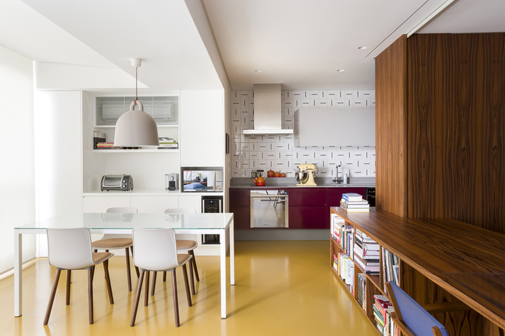 Studio biến thành căn hộ hiện đại trong tích tắc nhờ điều chỉnh rèm cửa và nội thất - Ảnh 9.