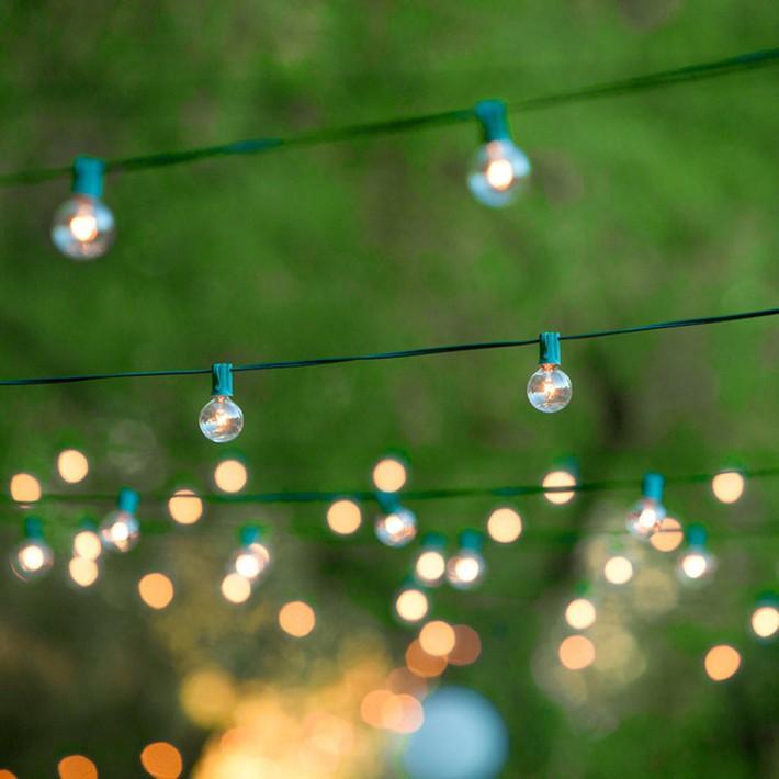 14 ý tưởng trang trí tiệc cưới sân vườn vừa sang trọng vừa lộng lẫy - Ảnh 2.