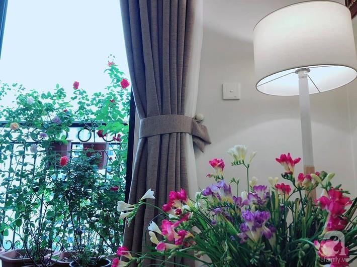 Ban công chỉ 5m² nhưng bốn mùa nở hoa và tổ ấm tràn ngập hương thơm của mẹ Hà Thành - Ảnh 8.