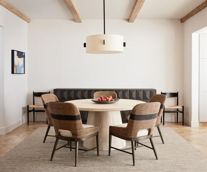 Không cần phải đắn đo nhiều vì bàn tròn luôn là lựa chọn tuyệt vời cho phòng ăn gia đình - Ảnh 5.