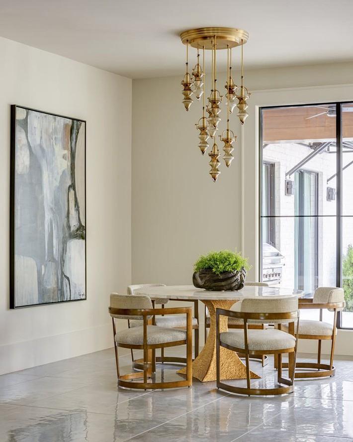 Không cần phải đắn đo nhiều vì bàn tròn luôn là lựa chọn tuyệt vời cho phòng ăn gia đình - Ảnh 8.