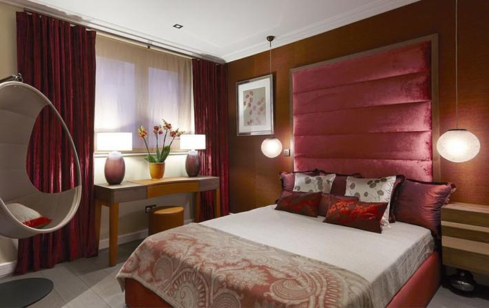 Thử mà xem phòng ngủ đẹp biết mấy nhờ đèn thả trang trí - Ảnh 4.