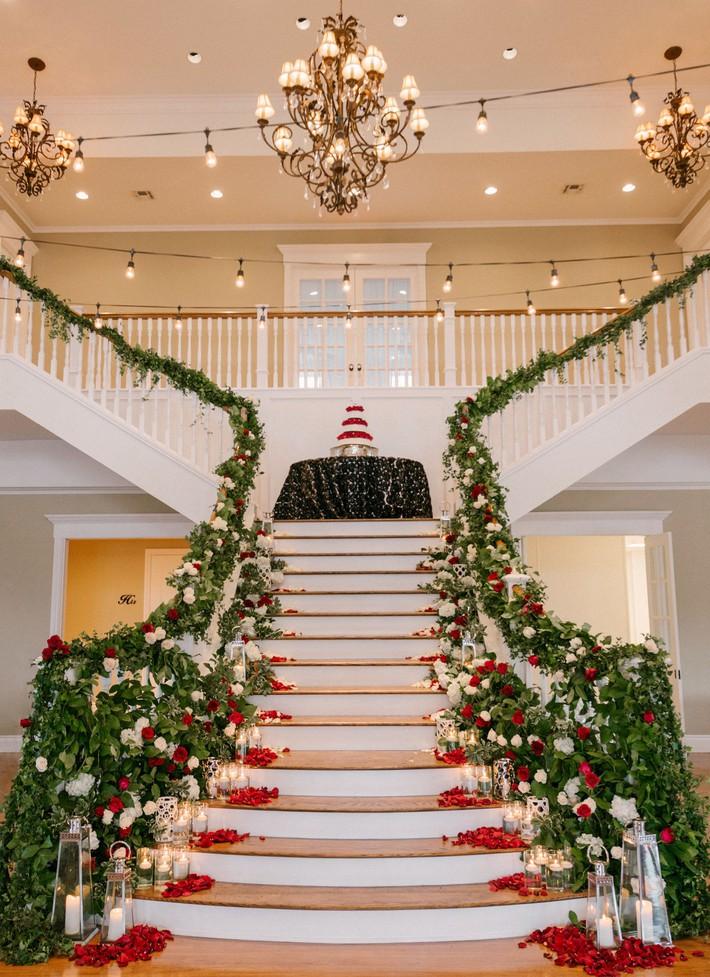 9 ý tưởng trang trí đám cưới bằng hoa tươi đẹp hút mắt khách mời ngay khi đến - Ảnh 6.
