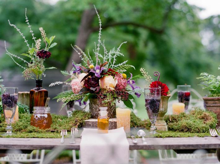 9 ý tưởng trang trí đám cưới bằng hoa tươi đẹp hút mắt khách mời ngay khi đến - Ảnh 8.