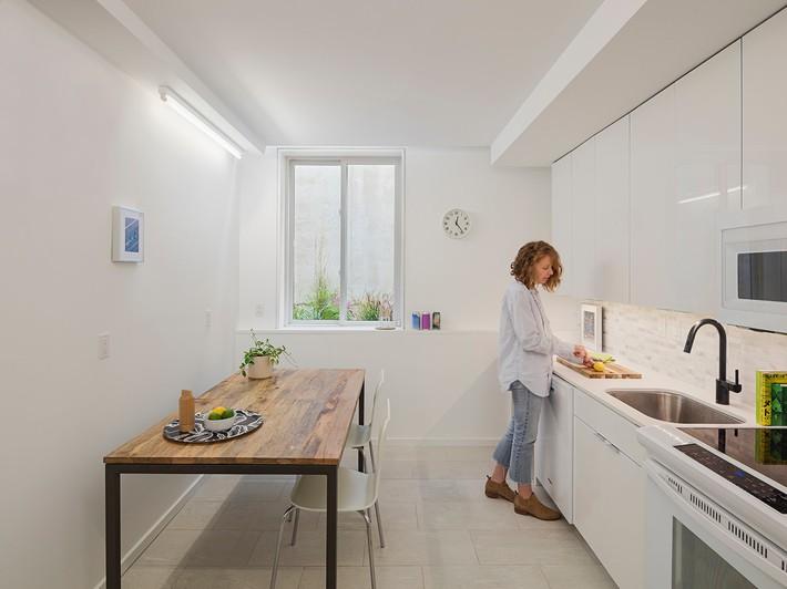 Ngôi nhà 32m² thiết kế như tòa cao ốc mini khiến ai nấy đều trầm trồ - Ảnh 6.