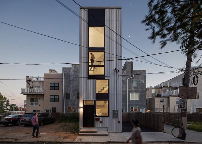 Ngôi nhà 32m² thiết kế như tòa cao ốc mini khiến ai nấy đều trầm trồ - Ảnh 1.