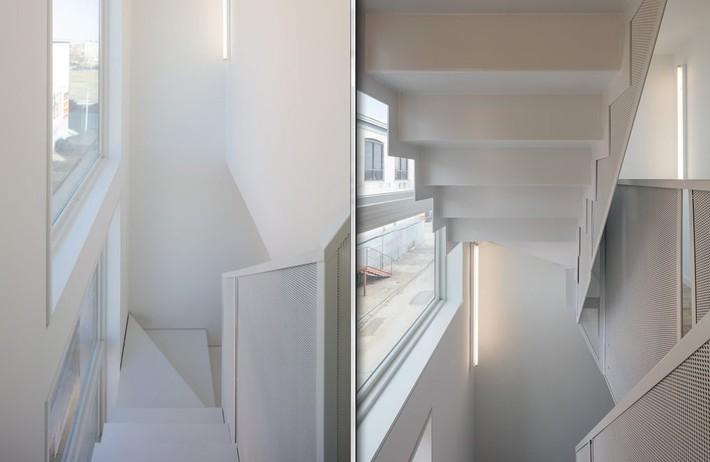 Ngôi nhà 32m² thiết kế như tòa cao ốc mini khiến ai nấy đều trầm trồ - Ảnh 10.