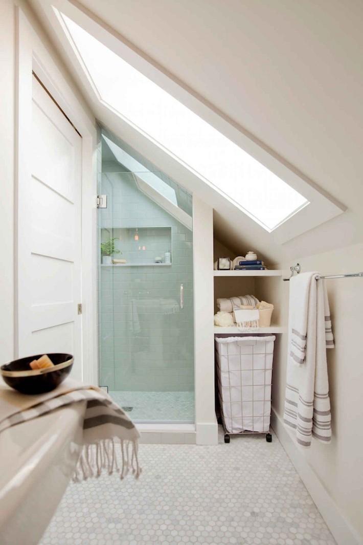 Tận dụng gác mái làm phòng tắm, ý tưởng thiết kế vừa đẹp vừa độc đáo ngại gì mà không thử - Ảnh 12.