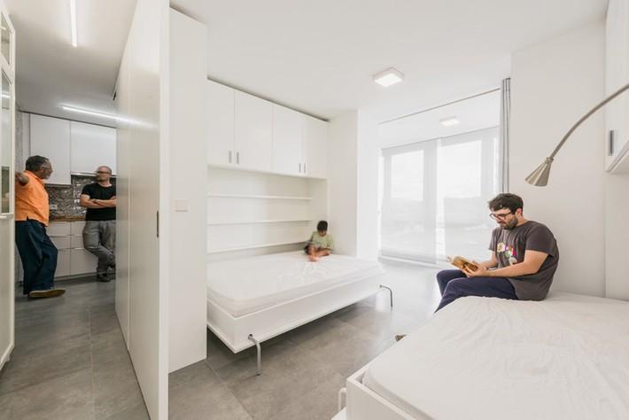 Tường xoay cho phép căn hộ này thay đổi bố cục chỉ trong vài phút - Ảnh 11.