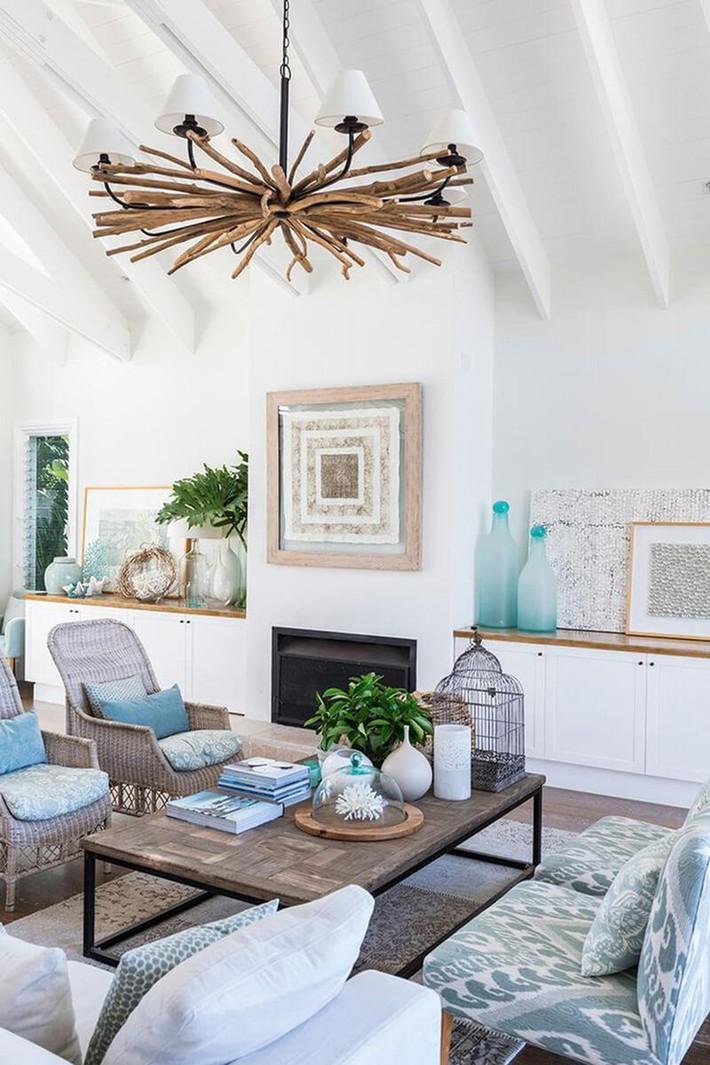 Mùa hè tới rồi, ngại ngần gì mà không thử đem cả biển xanh vào trang trí phòng khách nhà mình cho mát mẻ - Ảnh 2.