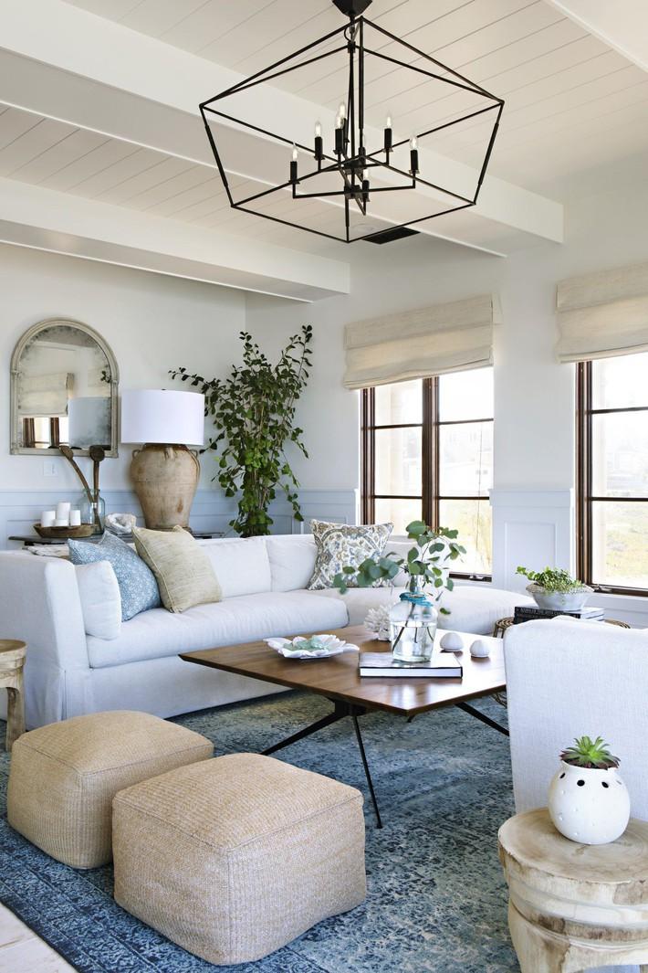Mùa hè tới rồi, ngại ngần gì mà không thử đem cả biển xanh vào trang trí phòng khách nhà mình cho mát mẻ - Ảnh 4.